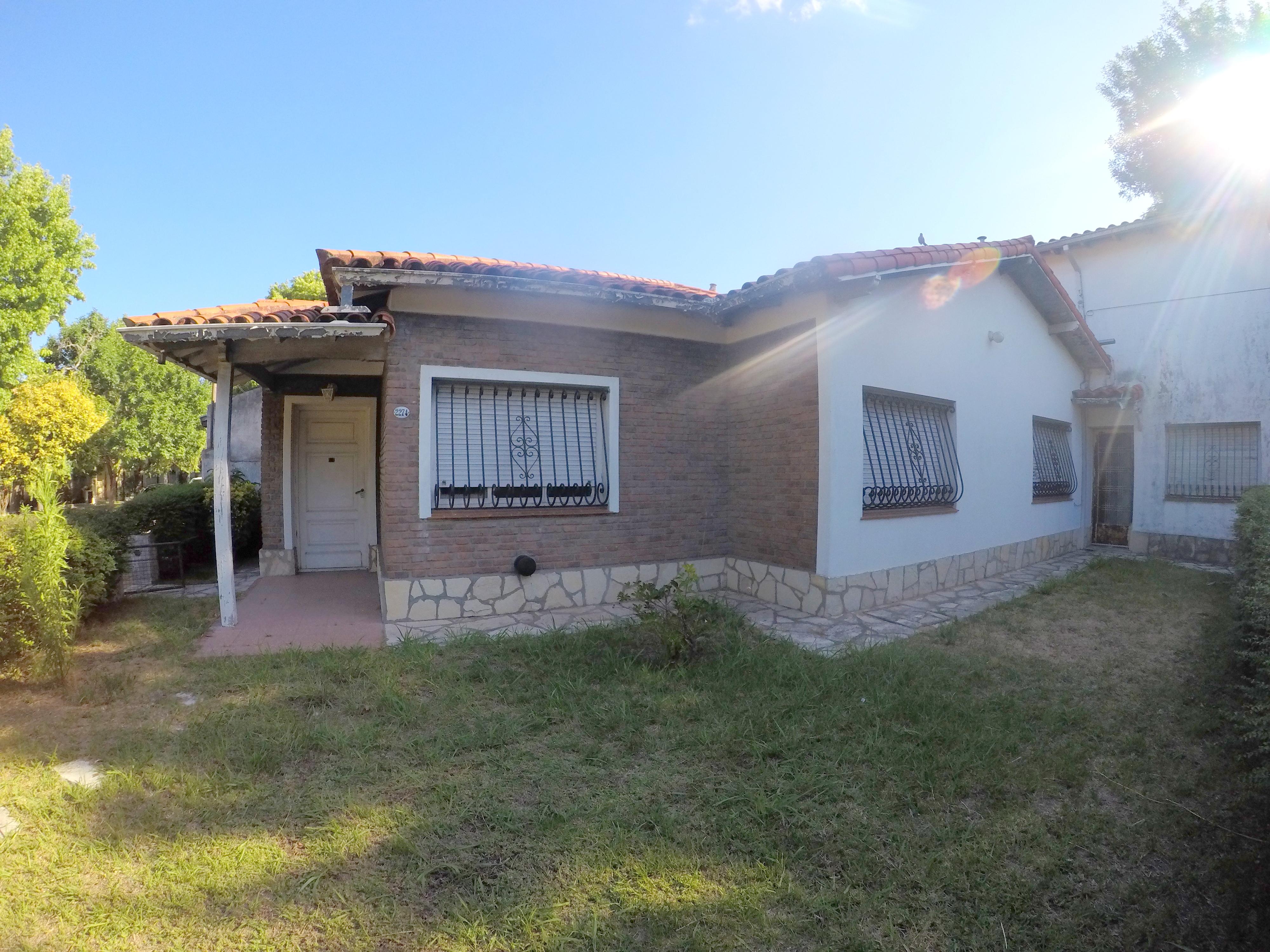 Casa 4 Amb con Jardin, Patio y garage-Dorrego 2200