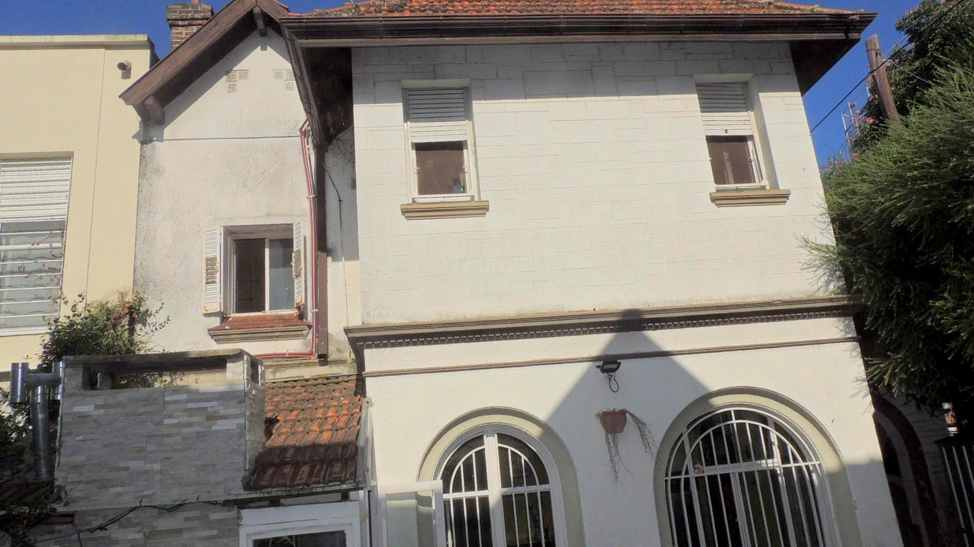 Solida casa en exc ubicación-Rawson 3400