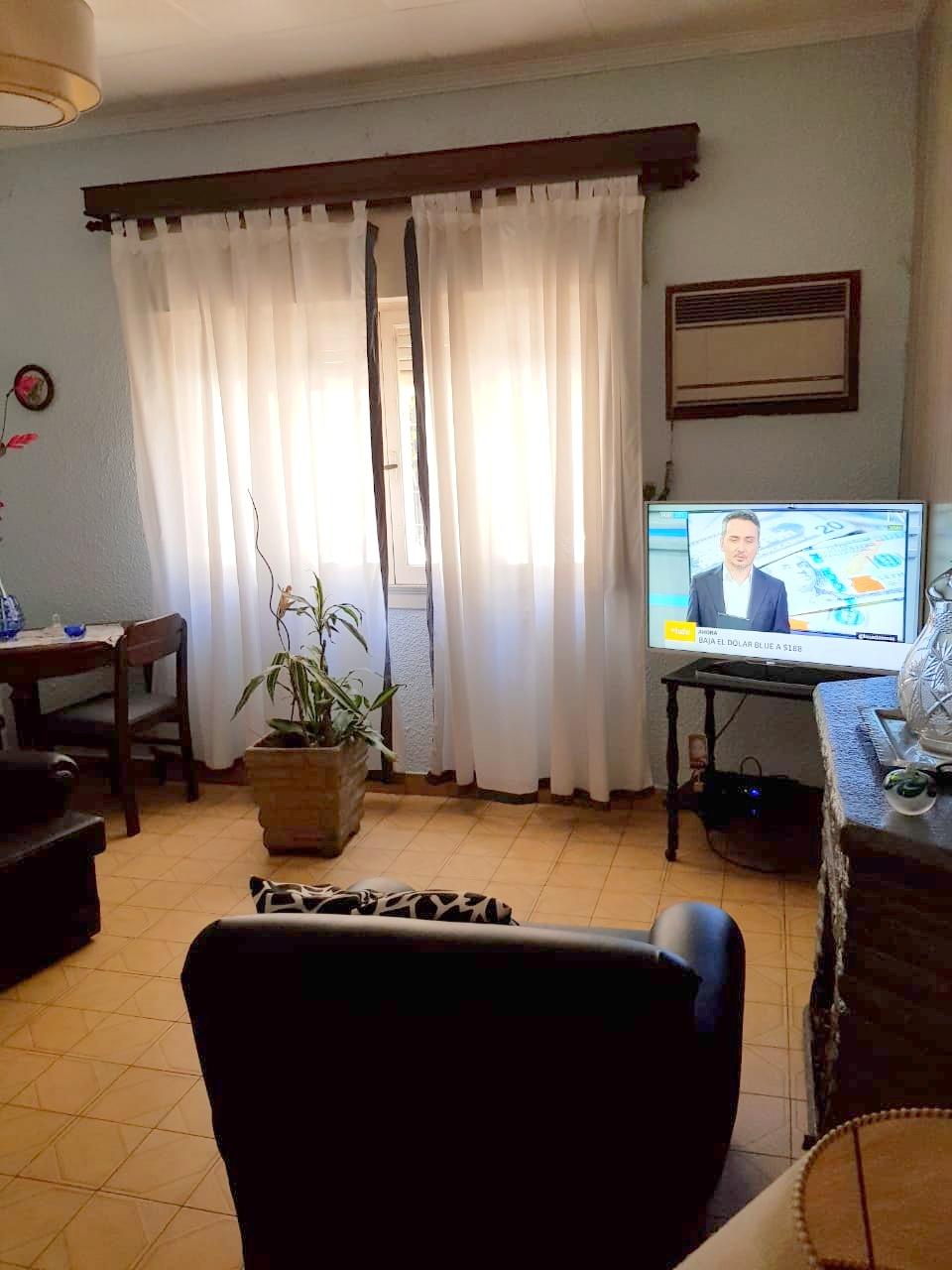 Casa en lote propio, zona R2 -Caseros 500