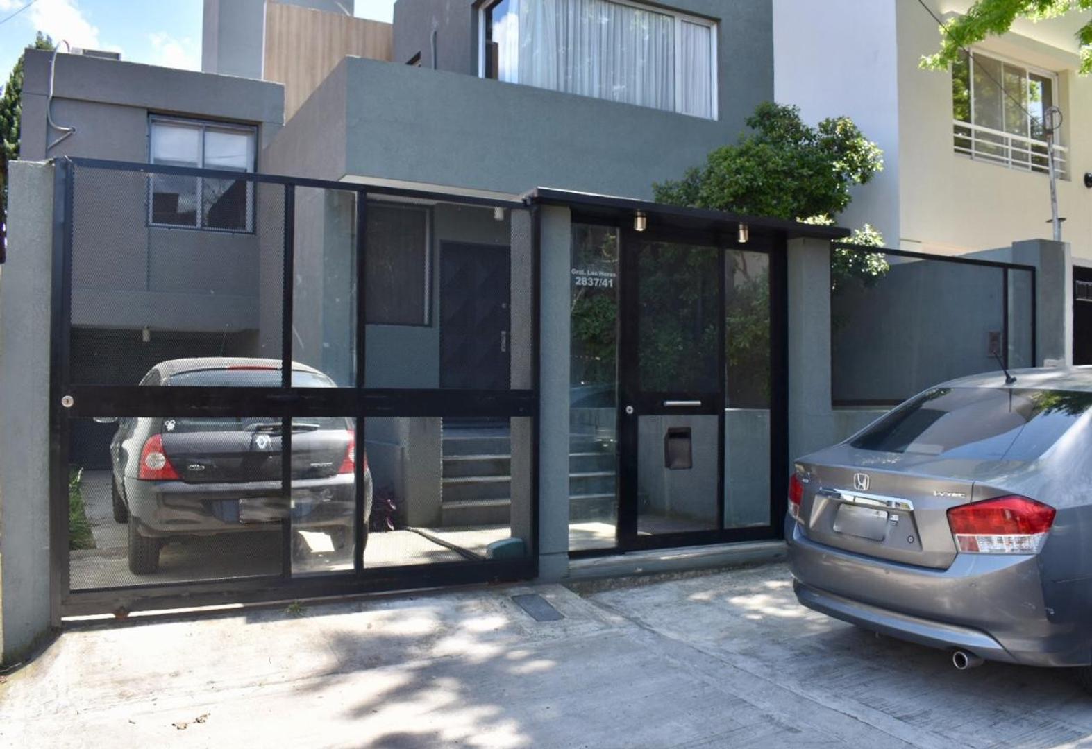 Moderna Casa 6 Amb. con Piscina Y Garage – Las Heras 2800