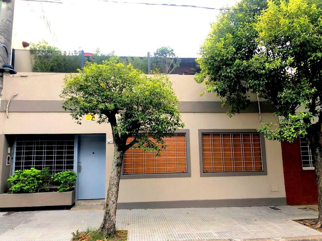 Exc Casa 4 Amb en PH Al frente en 2 Plantas- Agustin Alvarez 1800
