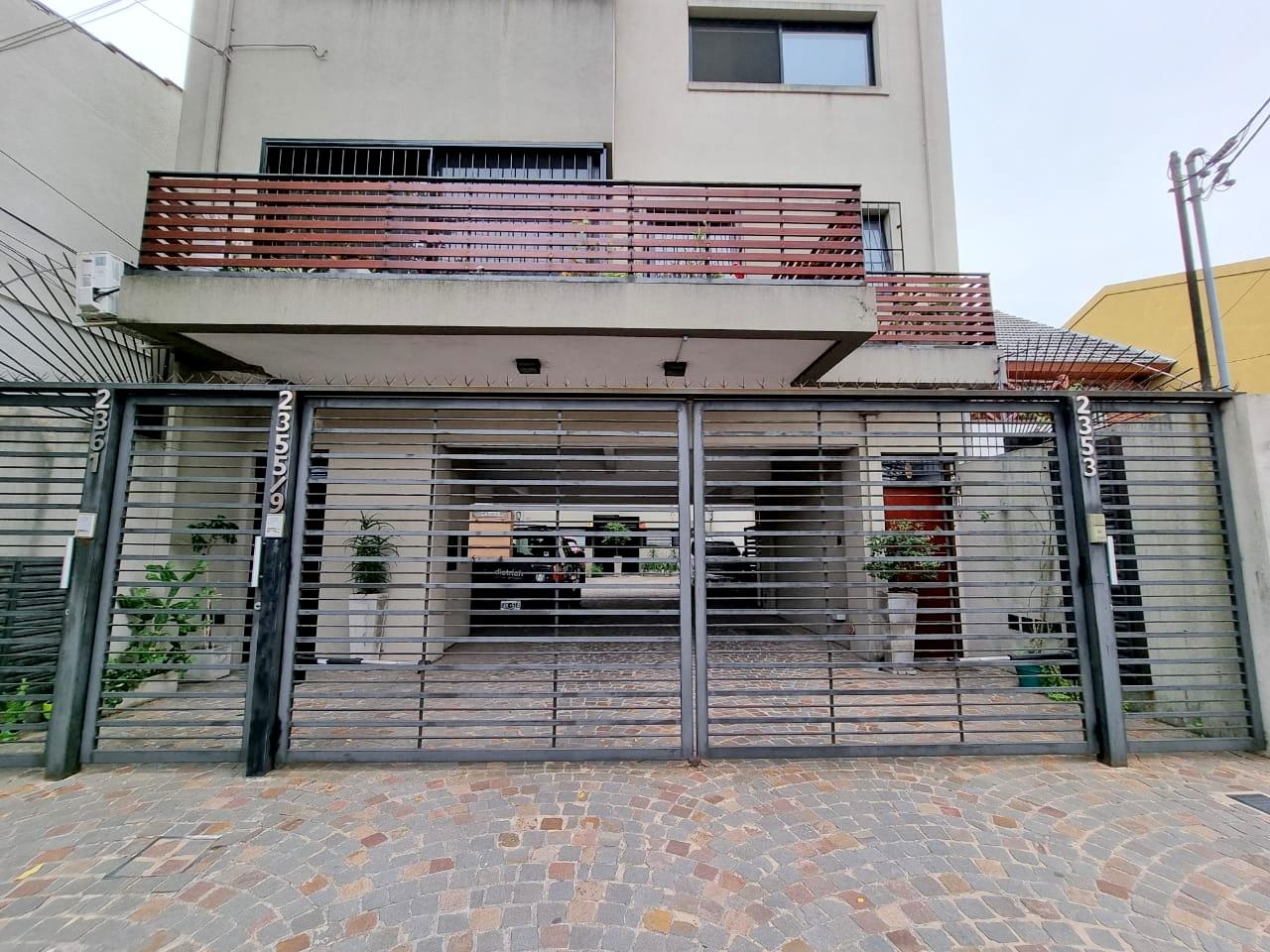 Duplex Moderno 3 Amb con Cochera y Balcon- Amador 2300