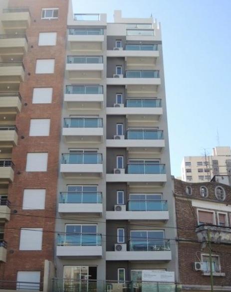 Depto. de 1 Amb. Divisible al Frente con Balcón – R. Balbín 3500