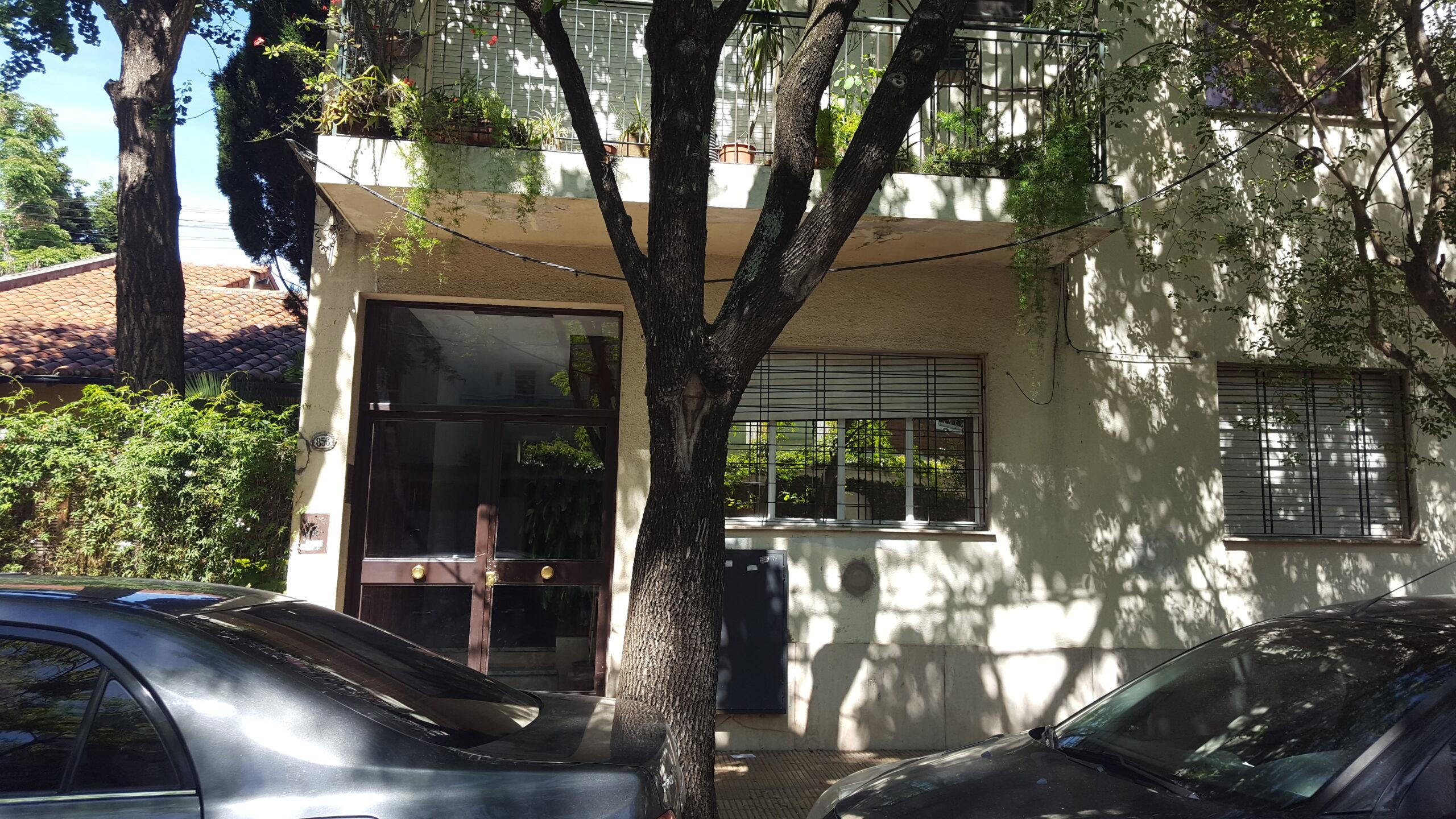 Depto. 2 Amb. con 2 Patios a 2/c de Maipú en Vte. López – Lisandro de la Torre 800